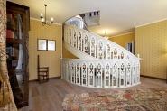 Лестница с полу объемной